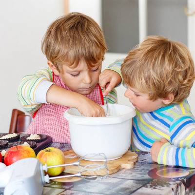 4 Fun Ways To Get The Kids Involved In Thanksgiving Prep