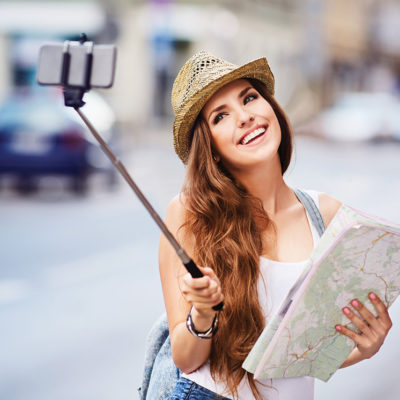 Mind Your Manners: 4 Pointers For Proper Selfie Stick Etiquette